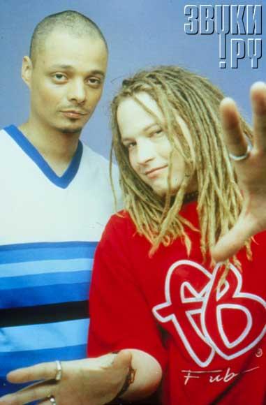 Bomfunk MC. «Bomfunk MC's» - финский музыкальный коллектив, исполняющий танцевальную электронную музыку с элементами хип-хопа. История. Группа создана в начале 1998 B.O.W. (Рэймондом