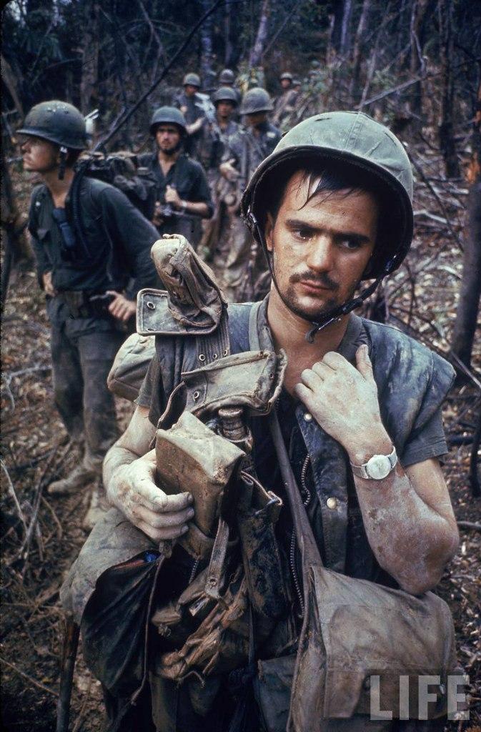 guerre du vietnam - Page 2 _svS7vNCq-Y
