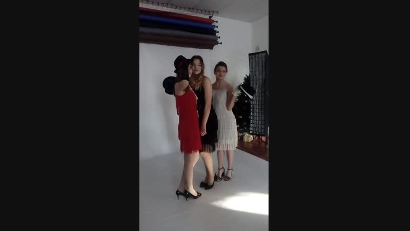 Наши платья в гангстерском стиле на фотосъёмках в фотостудии Контраст