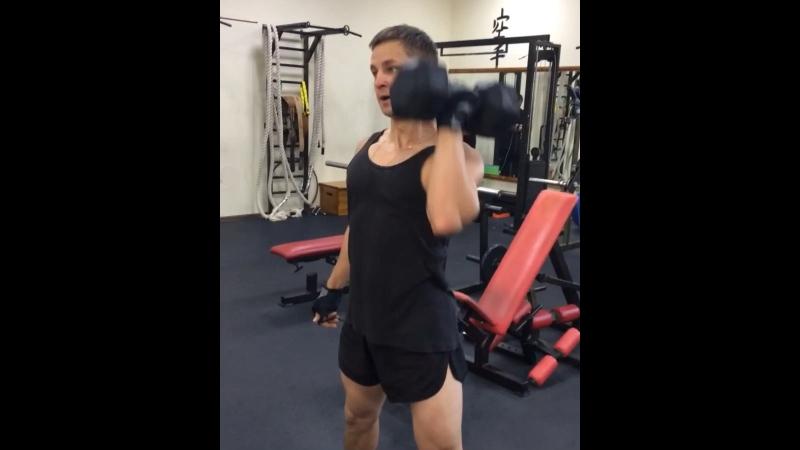 Наш тренер Виктор @victorianmight ждёт вас на тренировки 🏋🏻♂️