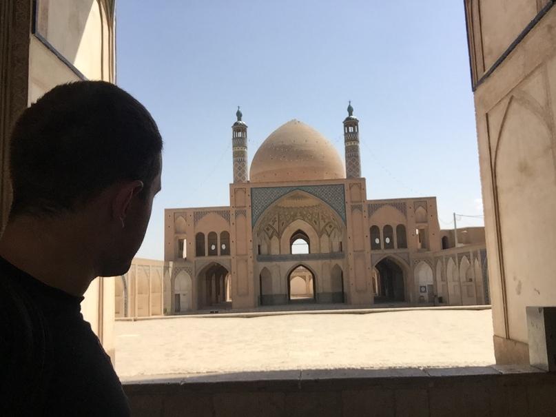 Agha Bozorg. Путешествие в Иран