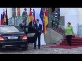 Путин приехал к Меркель: Президент России прибыл в резиденцию канцлера Германии.