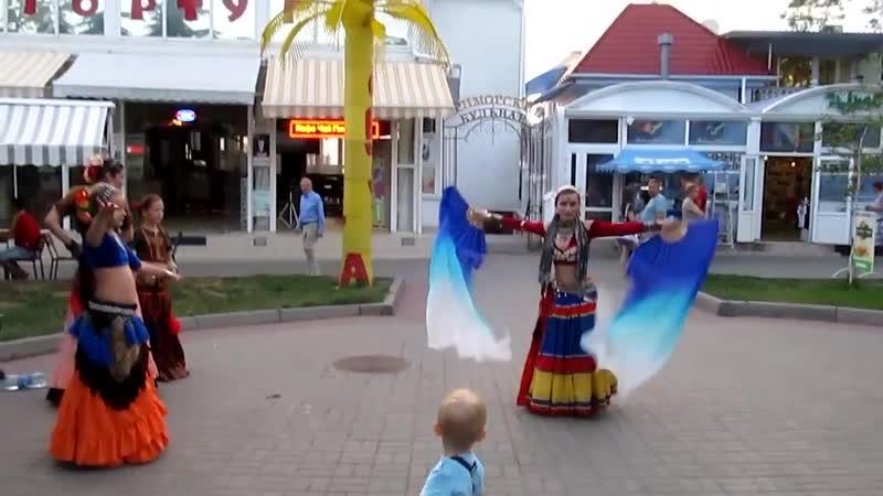 Ольга Андрюшина, Импровизация на улице @ июнь 2013 (Севастополь)