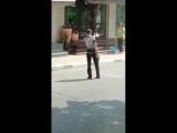В Краснодаре мужик достал винтовку с прицелом и вышел наводить порядки на улице