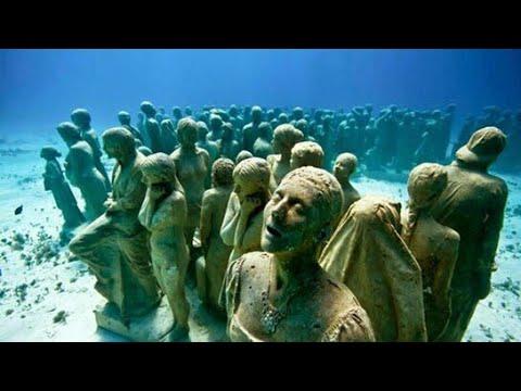 اشياء غامضة تحت سطح الماء لا يوجد لها تفسير