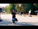Уличный скрипач у новгородского кремля.mp4