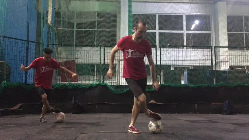 Команда по футбольному фристайлу KemerovoFF