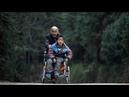 Бабушка каждый день проходит 24 километра чтобы помочь парализованному внуку добраться до школы