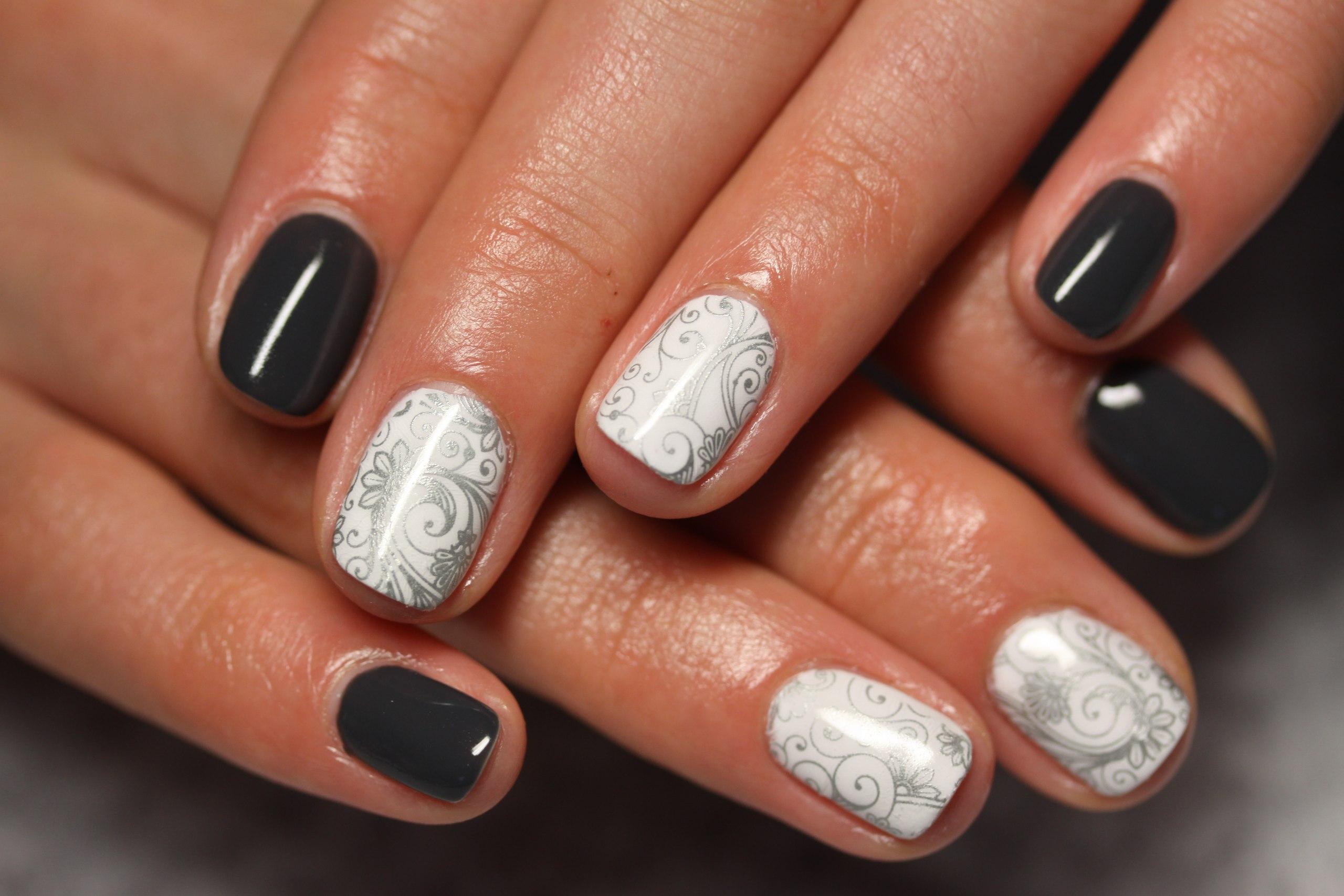 Гель лак бежевый дизайн на короткие ногти фото