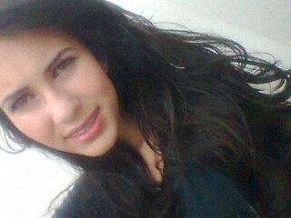 <b>Sabrina Oliveira</b> - Hk--QwjSEag