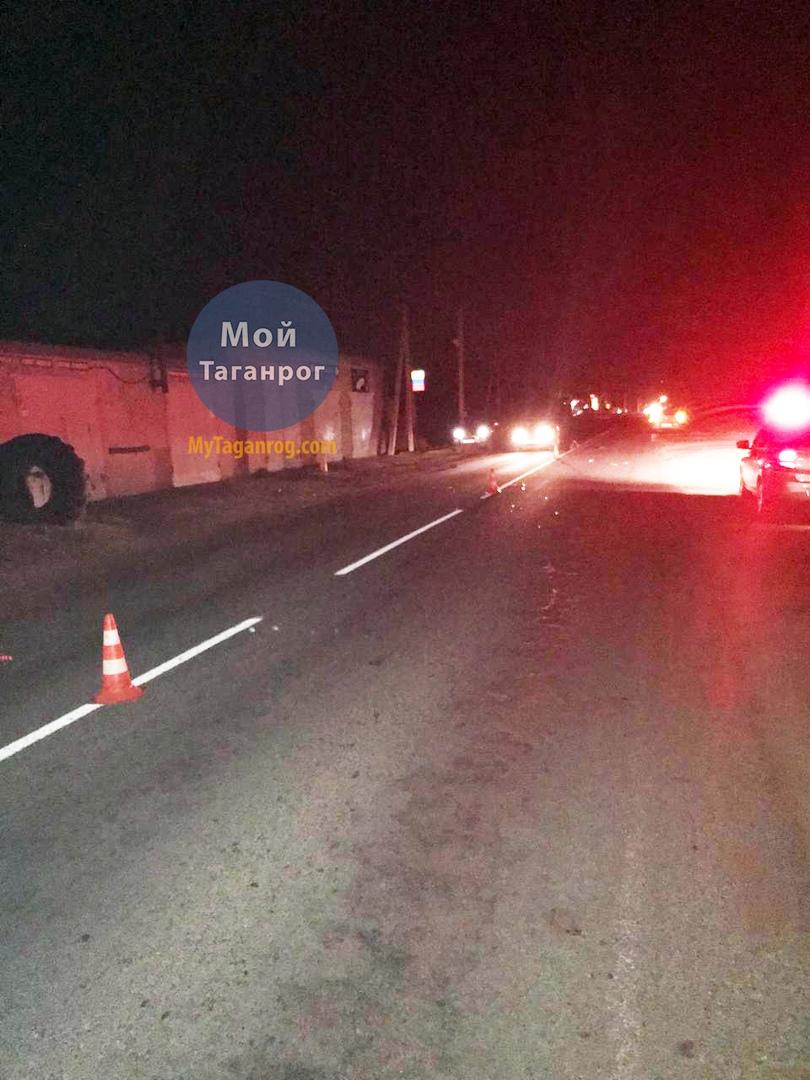 Под Таганрогом водитель «Газ-31105» сбил 55-летнего мужчину