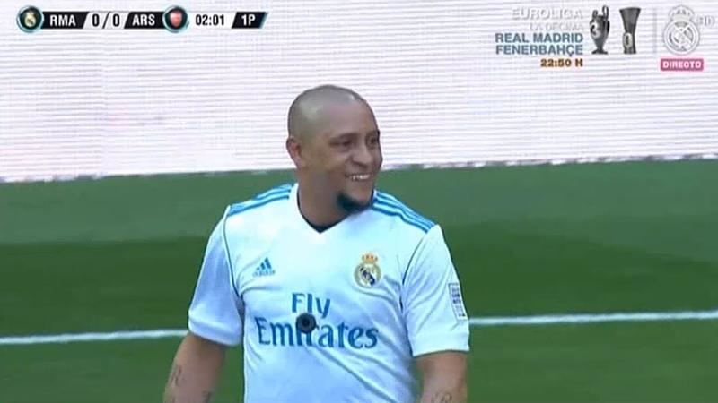 Roberto Carlos vs Arsenal Legends (03/06/2018)