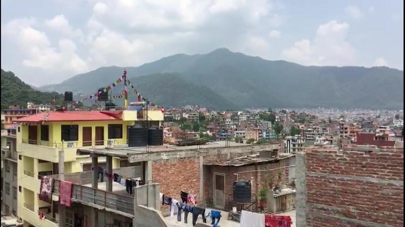 Катманду - город контрастов.