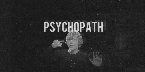 Психопаты известны своей хитростью и умением манипулировать окружающими. Даже откровенный бред, излагаемый человеком с психопатическими наклонностями, может прозвучать как истина в последней инстанции. А трезвомыслящие, казалось бы, люди, не только прислу