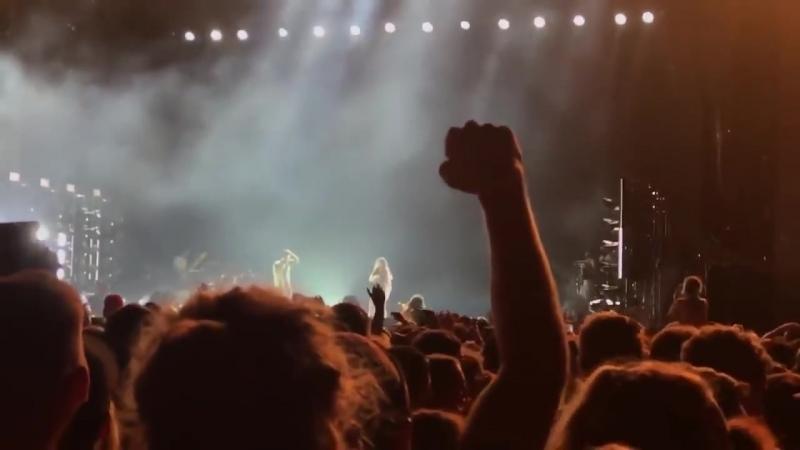 KENDRICK LAMAR остановил концерт из-за того что девушка сказала в его песне слово НИГЕР