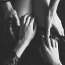 Цените того мужчину, который стремится провести время с вами, а не избегает встреч.