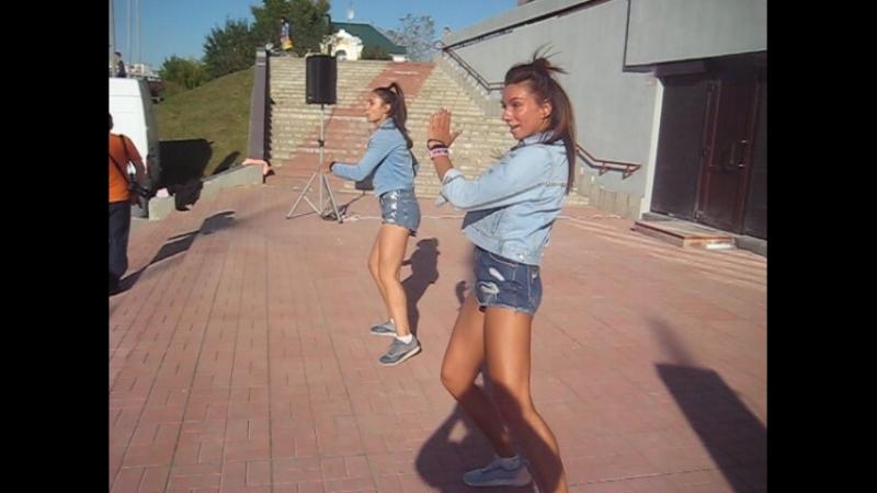 MVI_0073 Вот так зажигательно и красиво танцует наша молодежь)ЗУМБА-2018.