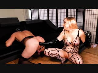 Busty dominatrix double fisting slaves asshole  [страпон, strapon, domination, femdom, mistress, goddes, bdsm, on.strapon]
