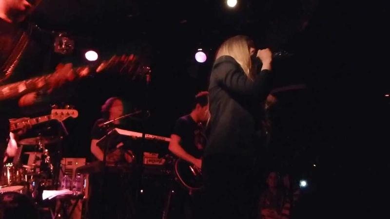 Avril Lavigne Sk8er Boi Live @ The Viper Room 25 04 2013