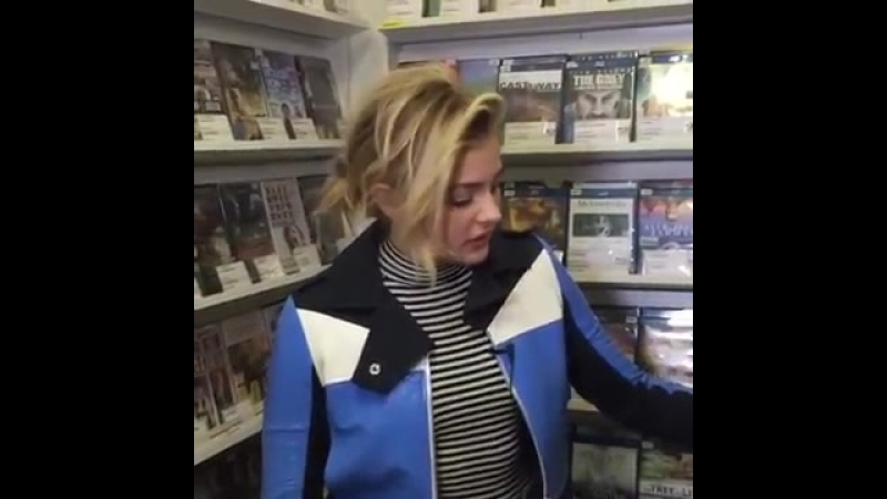 2yxa_ru_In_The_Video_Store_With_Chlo_Grace_Moretz_-_April_26_2016_TTlsT93AkmM.mp4