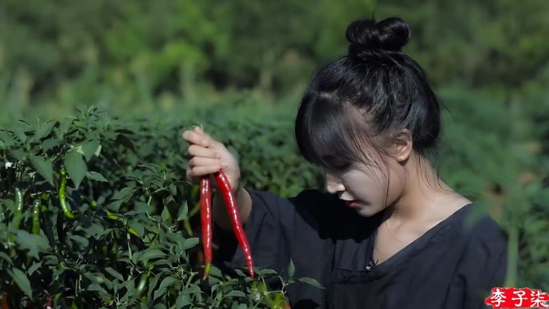Ли ЦзыЦи - ДЕВУШКА С ХАРАКТЕРОМ! Душа сычуаньской кухни ''ЧуаньЦай Чжи Хунь'' острая бобовая паста ''ДоуБань Цзян''. Технология