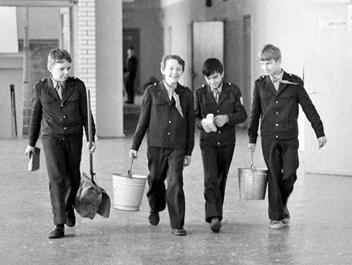Дежурные по классу, СССР, 1980–е.