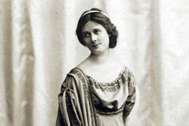 Айседора Дункан Айседора Дункан американская танцовщица, основоположница свободного танца, супруга русского поэта Сергея Есенина. Айседора Дункан родилась 26.05.1877 г. в Сан-Франциско.