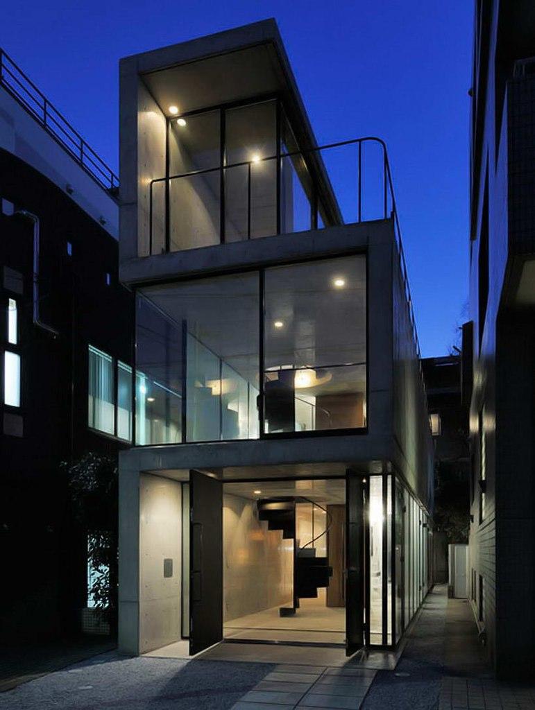 Узкий дом в Японии