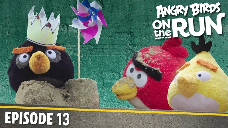 Angry Birds on The Run | Fun Day at The Beach - S1 Ep13