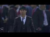 Криштиану Роналду обнял Лео Месси после финала Кубка Короля