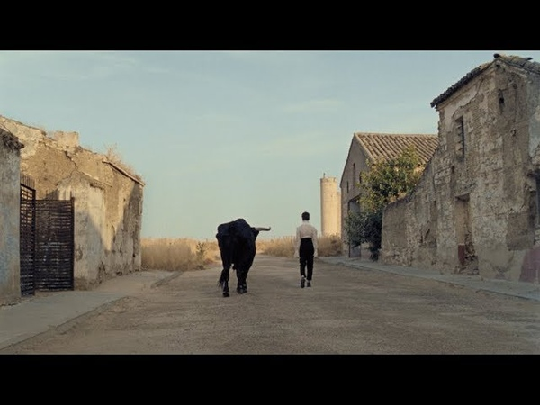 Christine and the Queens - La marcheuse (Clip officiel)