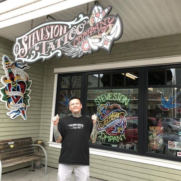 С мертвеца сдерут кожу с татуировками, чтобы показывать на выставках 41-летний канадский тату-художник Крис Венцель завещал своей супруге сохранить его кожу с татуировками. Несколько недель