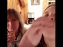 Девочка удивляет мать
