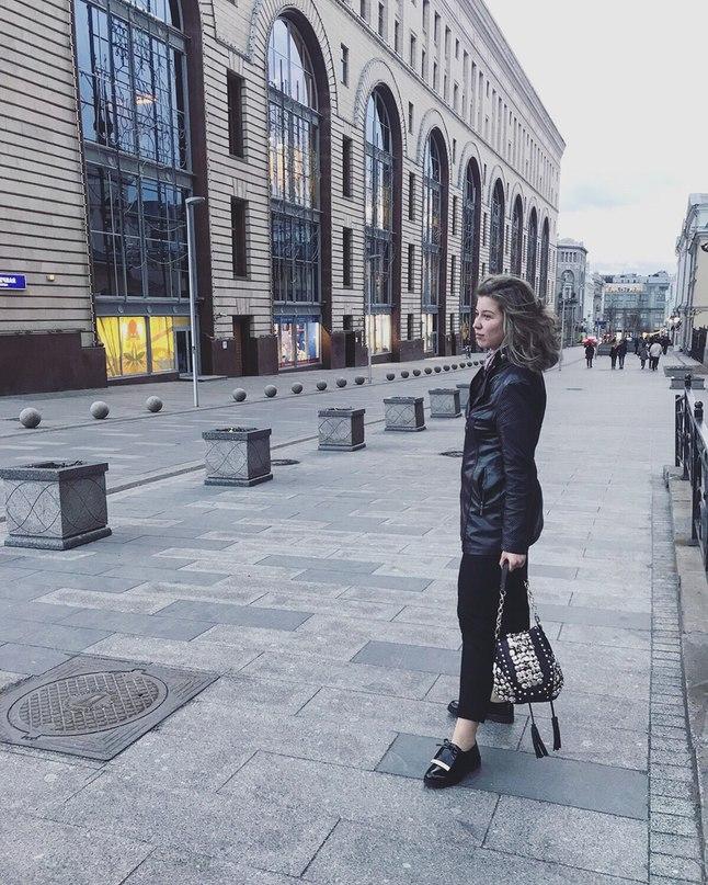 Анютка Воротова |
