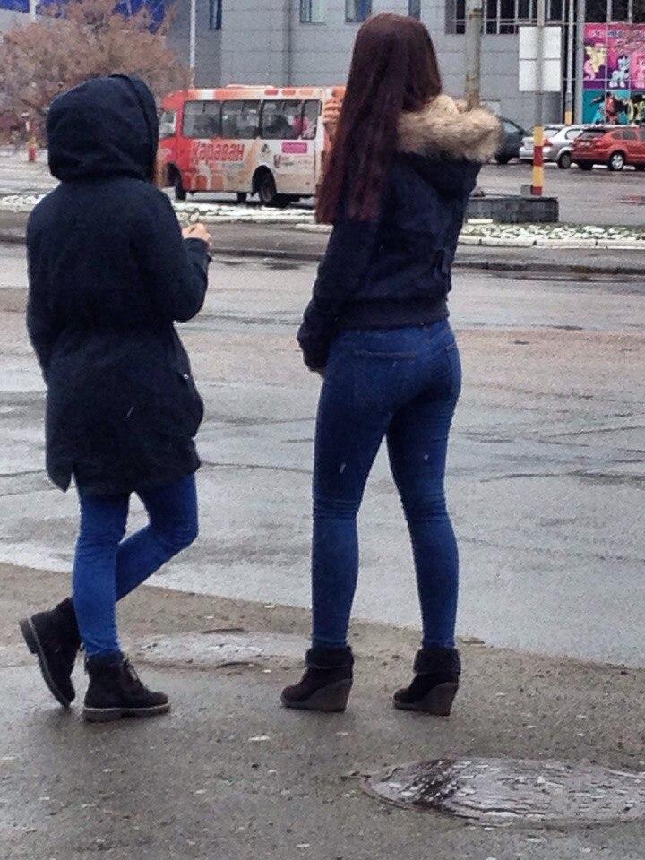 Фото девушек в метро сзади фото 12-197