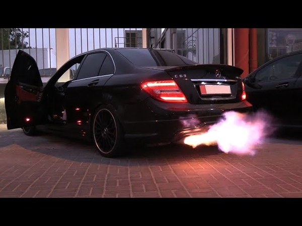 Хочу такой выхлоп🔥🔥🔥 Mercedes C63 AMG DUO FLAME THROWERS BURNOUTS On The ROAD