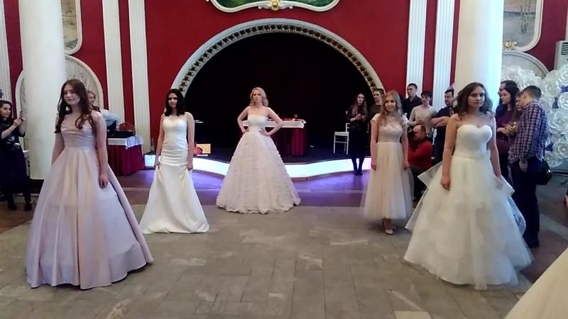 Показ на выставке Свадебный мир