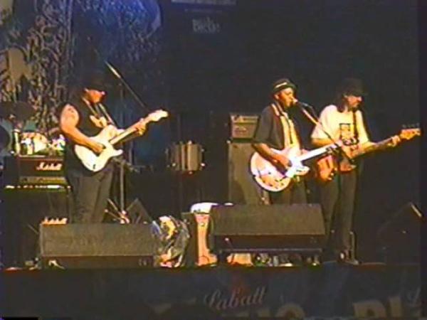 Smokin' Joe Kubek - Walk On sur la scène de Blues au F.I.J.M. le 11 juillet 1998