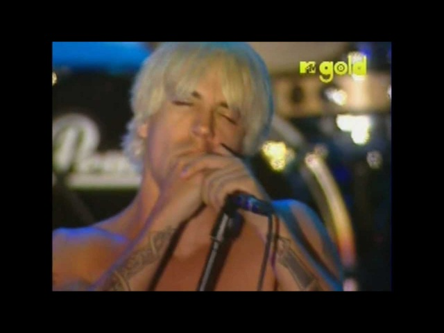 Red Hot Chili Peppers - Under The Bridge - Live in Red Square, Moscow [HD]
