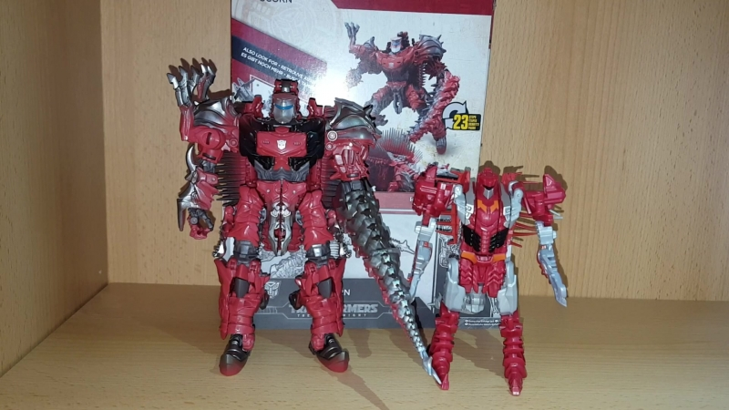 Transformers 5 The Last Knight Scorn Voyager Class Toy Review