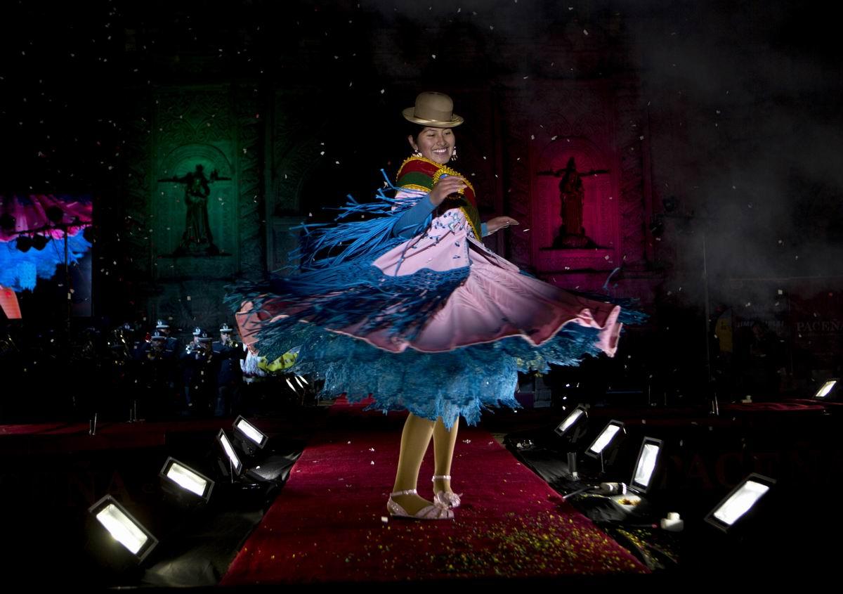 Ну чем не супер модель?!: Боливийская красавица на столичном подиуме своей страны