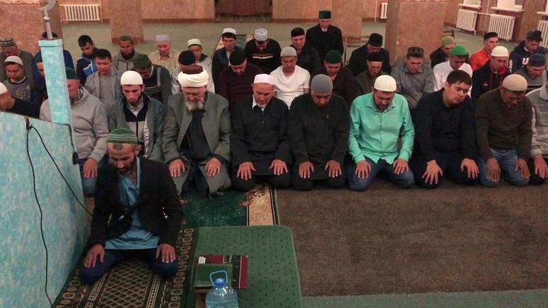 Таравих намаз в Соборной мечети Таква г. Сибай. 10 июня 2018 года