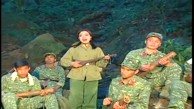 Lan Anh Лан Ань Tiếng Đàn Ta Lư Весёлая партизанская лютня