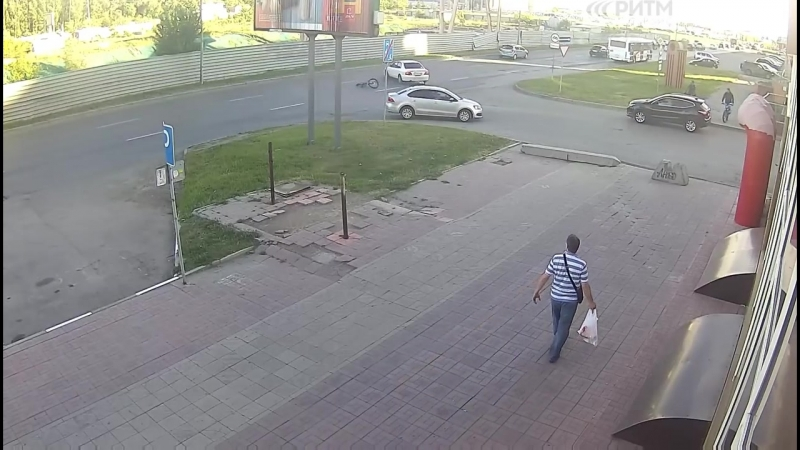 ДТП с велосипедистом 19 06 2018 г Омск Улица Конева 12