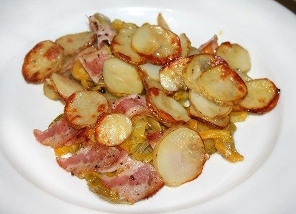 Картошка запеченная в беконе рецепт с фото