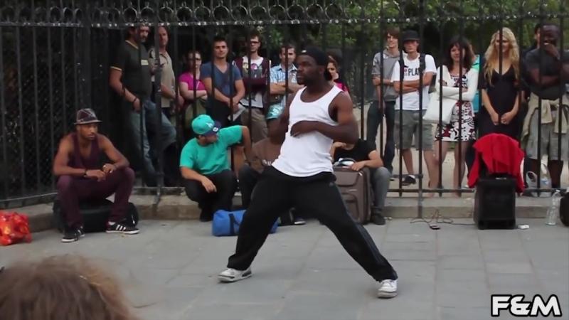 Уличный Танцор_ Париж Франция