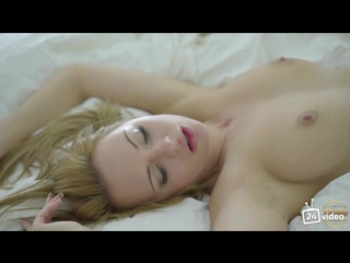 Секс с сногшибательной девушкой [+18]