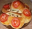 Закрытые блинчики с грибами и сыром