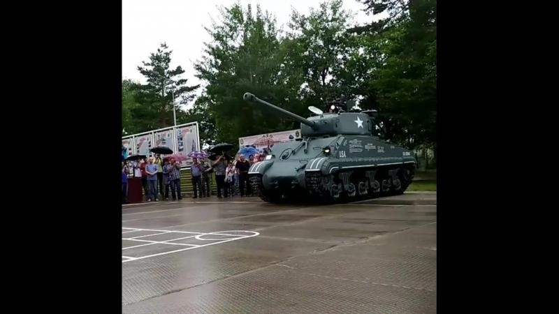 Специалисты базы хранения бронетанкового вооружения Восточного военного округа восстановили американский средний танк Шерман
