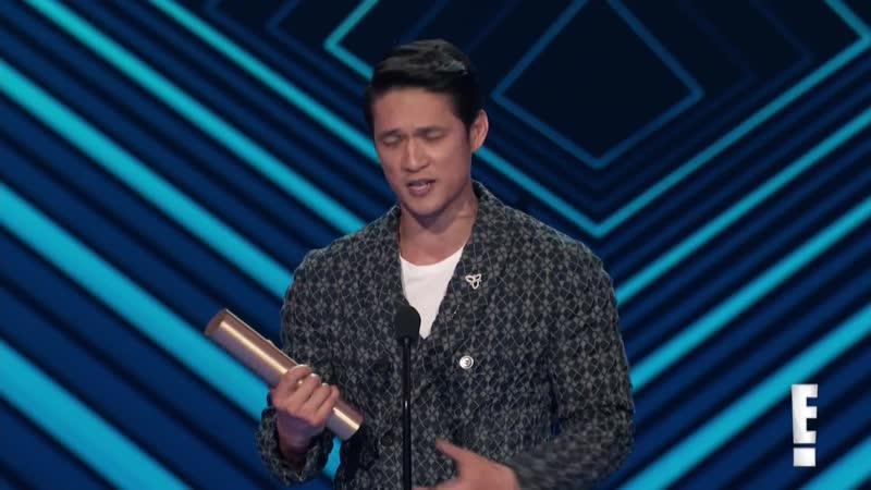 Harry Shum Jr Thanks Shadowhunters Fans for E PCAs Win ¦ E Peoples Choice Awards